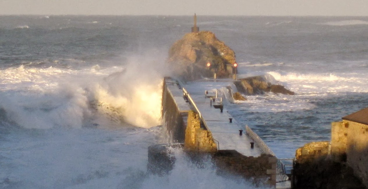 La Barra de San Vicente de la Barquera