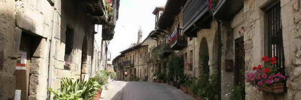 Calle medieval de Cartes