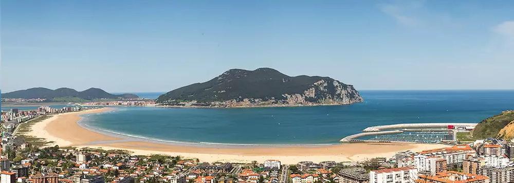 Ideas para viajar a Cantabria en primavera Panoramica de Laredo