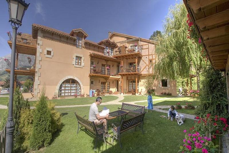 Apartamentos Rurales Alquitara