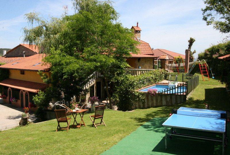 Hospedaje javier casa rural casa rural con piscina en - Piscinas en santander ...