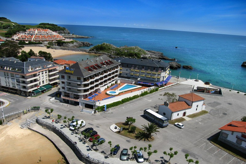 Hotel astuy hotel donde comer la mejor langosta de cantabria - Apartamentos en cantabria playa ...