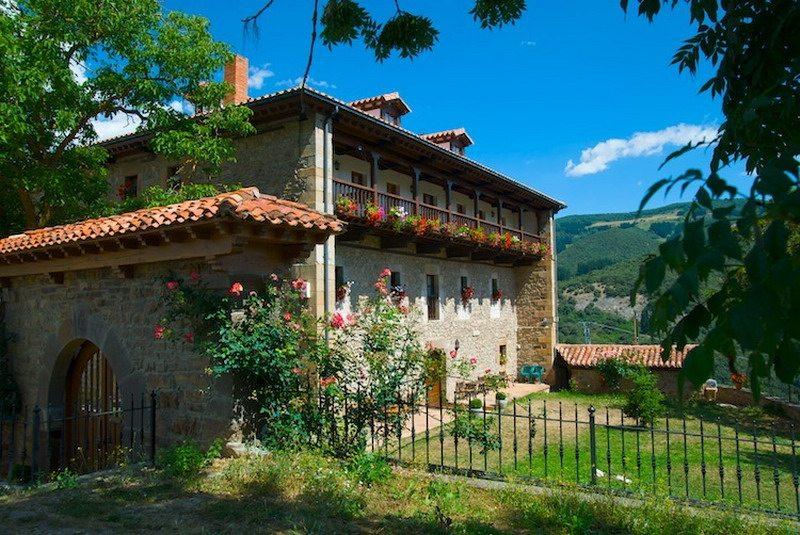 La torre de perrozo casa rural en perrozo cantabria casa - Casas rurales cantabria baratas alquiler integro ...