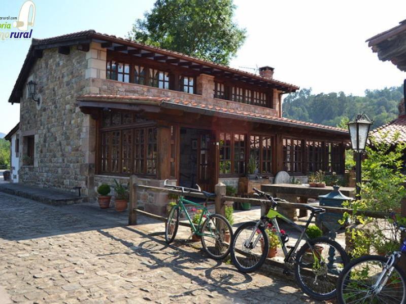Camping El Molino de Cabuerniga edificio principal