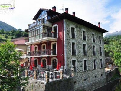 Apartamentos y Posada Rural La Casa del Puente
