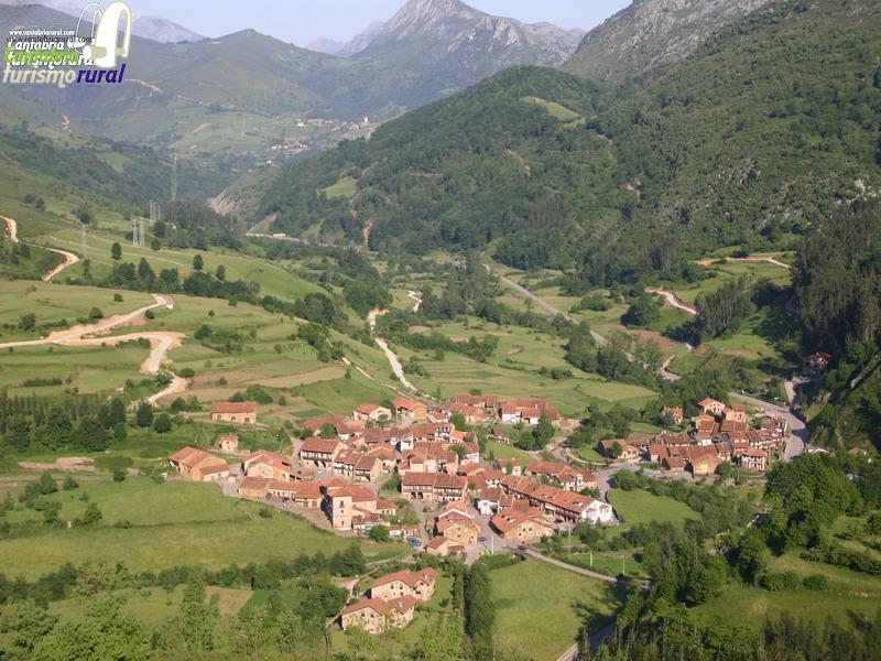 Ciudades y pueblos de cantabria for Casas de pueblo en cantabria
