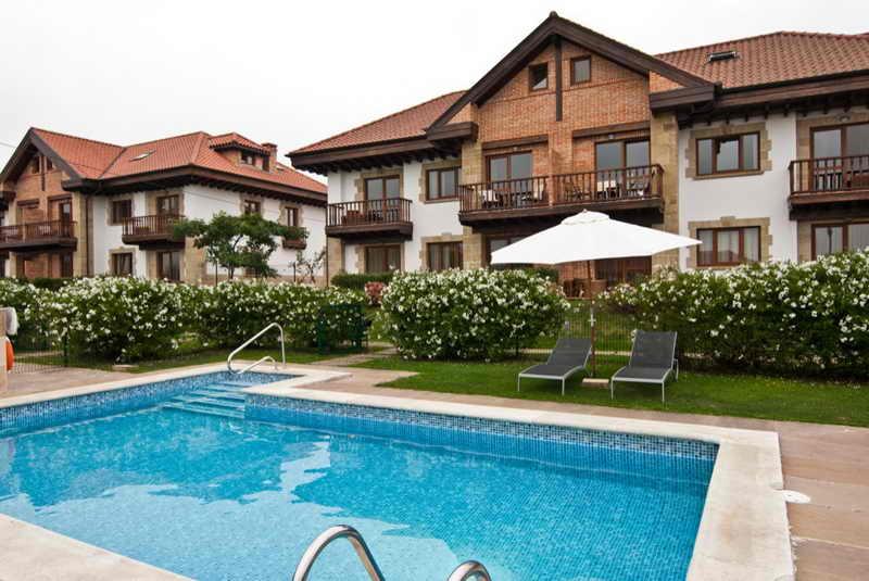 apartamentos ciudad de petra apartamentos con piscina en
