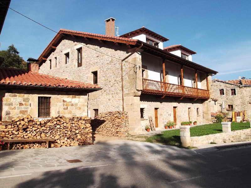 Posada casa molleda posada con comida tradicional en pejanda polaciones cantabria - Casas rurales en san sebastian baratas ...