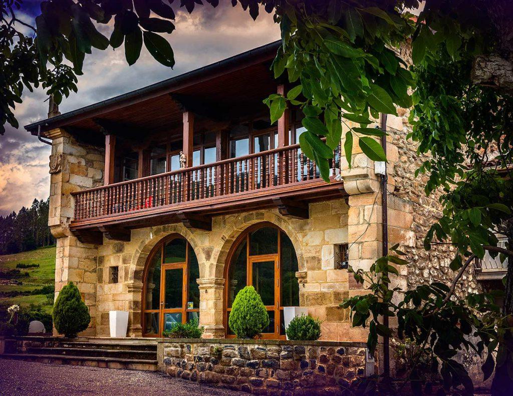 Hotel villa arce hotel en aes puente viesgo cantabria - Casa rural puente viesgo ...