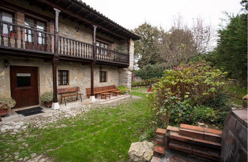Casa rural el pi ar de luey casa rural en luey cantabria casa rural cerca de la playa de - Casa montanesa ...
