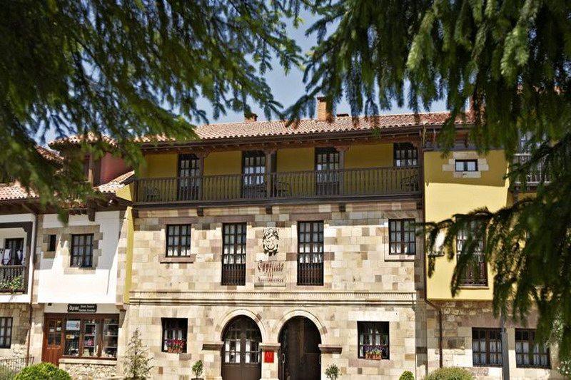 Apartamentos capriccio apartamentos turisticos en santillana del mar - Apartamentos turisticos cantabria ...