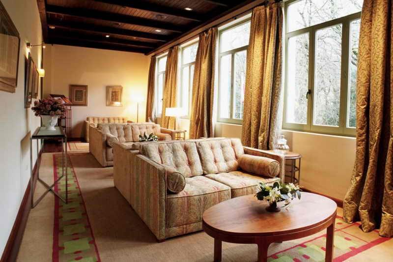 Parador palacio de eguilor de limpias parador de limpias for Habitaciones familiares paradores