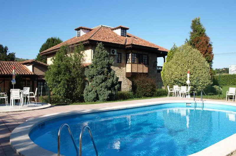 Hotel Siglo XVIII, Hotel con piscina en Santillana del Mar