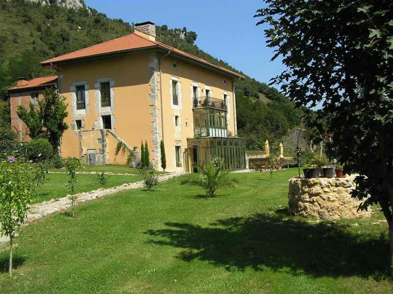 La Casona Villa de Palacios
