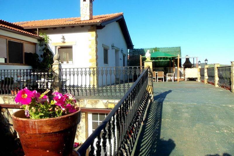 Casa rural la fuente de las hadas casa rural en vidular cantabria - Casa rural la reserva ...