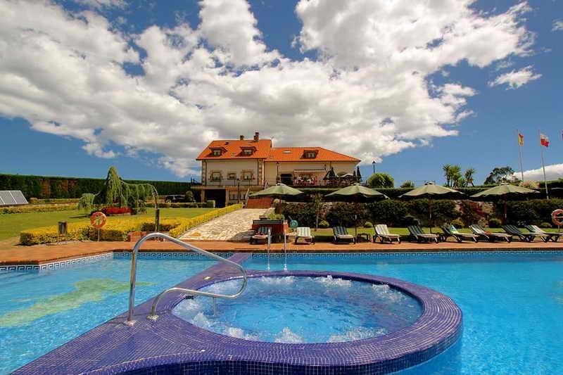 Posada El Iso Jacuzzi y piscina