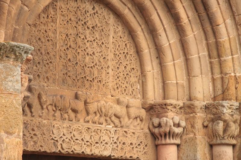 Colegiata de san pedro en cervatos colegiata de cervatos for Avvolgere intorno al costo del portico