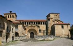 Colegiata de Santa Juliana Santillana del mar Vista general de la fachada Cantabria Cantabriarural