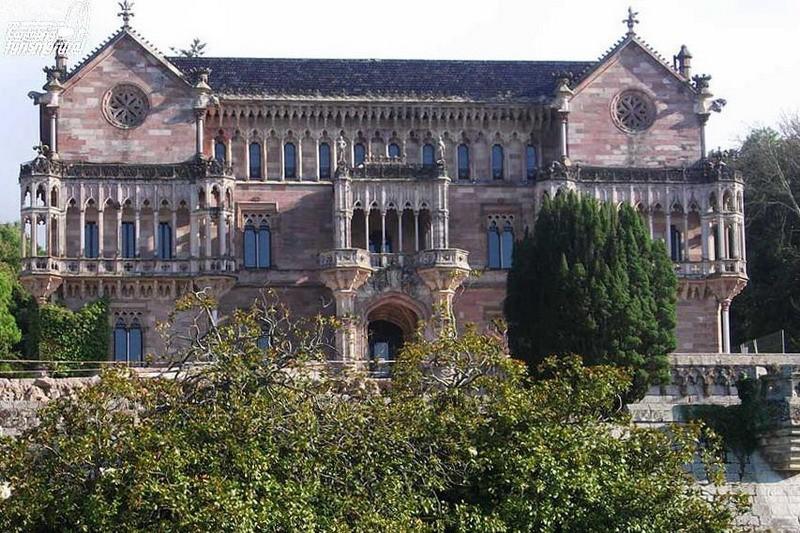 comillas modernista palacio sobrellano cantabria