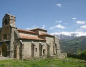 Iglesia de santa Maria de Piasca Vista general Cantabria Cantabriarural