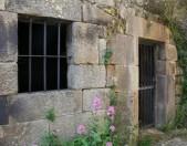 Iglesia rupestre de Campo de Ebro Entrada y Ventanuco Cantabria Cantabriarural