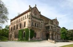 Palacio de Sobrellano Fachada principal Cantabria Cantabriarural