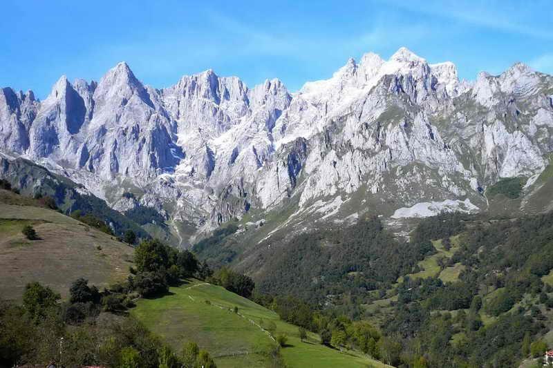 Bien Sr. Alcalde, le felicito Picos-de-Europa-Cantabria-Cantabriarural-H-800x533