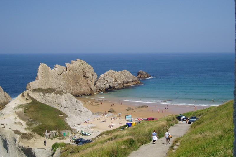 Playa de covachos playas de cantabria - Apartamentos en cantabria playa ...