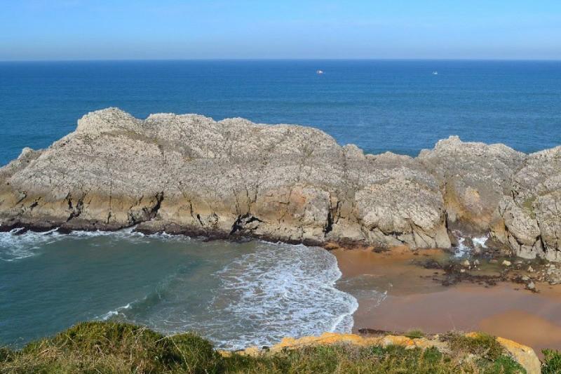 Playas Nudistas Cantabria Mapa.Playa Nudista De Somocuevas Cantabria Playas De Cantabria