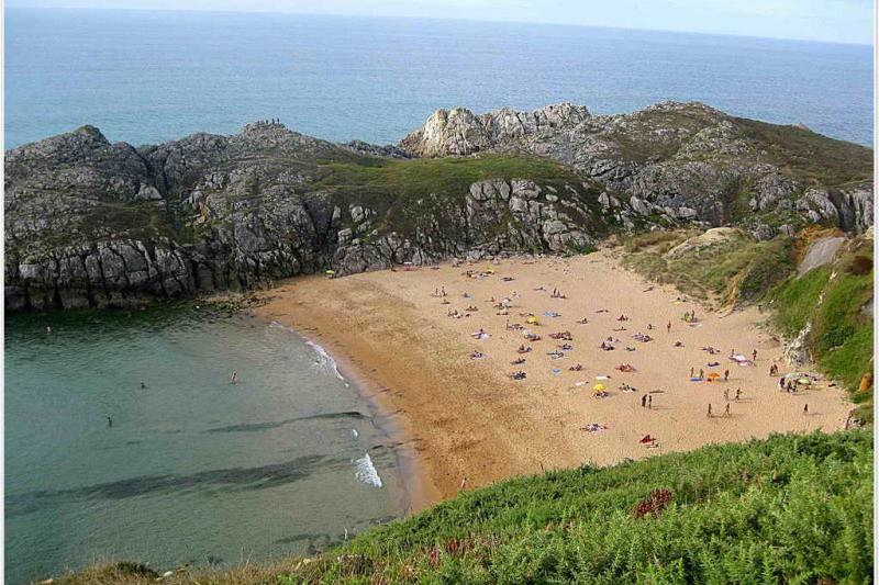 Playa nudista de somocuevas cantabria playas de cantabria - Apartamentos en cantabria playa ...