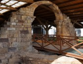 Termas Romanas y Necrópolis medieval de San Juan de Maliaño Arco de la iglesia medieval Cantabria Cantabriarural