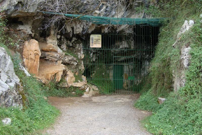Cuevas del monte castillo cuevas de puente viesgo pinturas rupestres m s antiguas de espa a - Casa rural puente viesgo ...