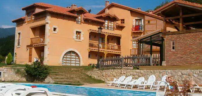 Apartamentos Alquitara, Apartamentos rurales en Potes con piscina