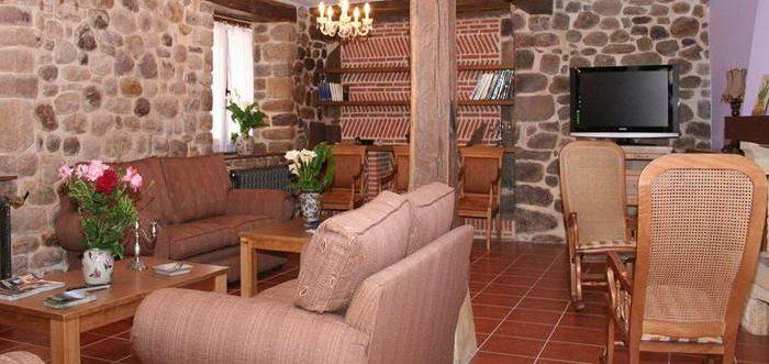 Apartamentos - Posada El Arrabal, Apartamentos en Arenas de Iguña