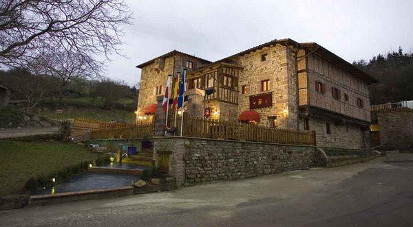 Hotel Casona de La Torre, hotel rural en reserva del saja