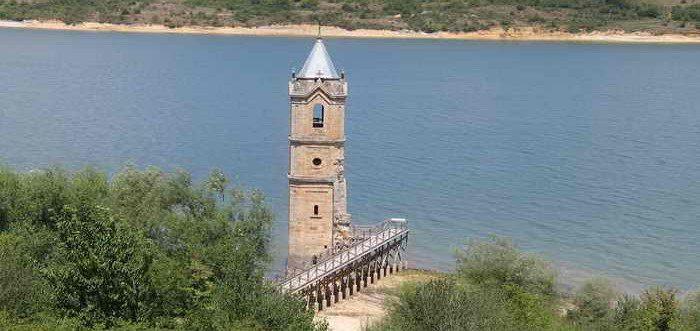 Iglesia de Villanueva de las Rozas, La Catedral de los peces, pueblo sumergido en el pantano del ebro