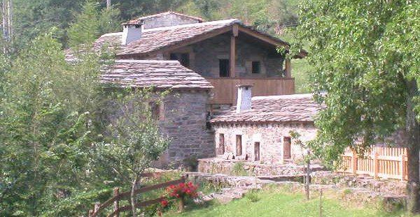 Molino de Yera, Apartamentos rurales en Vega de Pas Cantabria