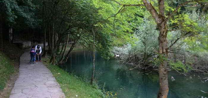 Fontibre, Nacimiento del Ebro en Fontibre Cantabria, Fontibre Reinosa fuente del Ebro