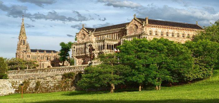 Palacio de Sobrellano, Palacio capilla-panteón y parque de Sobrellano Comillas