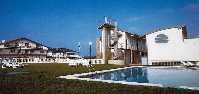 Apartamentos El Caserío, Apartamentos con piscina en Suances