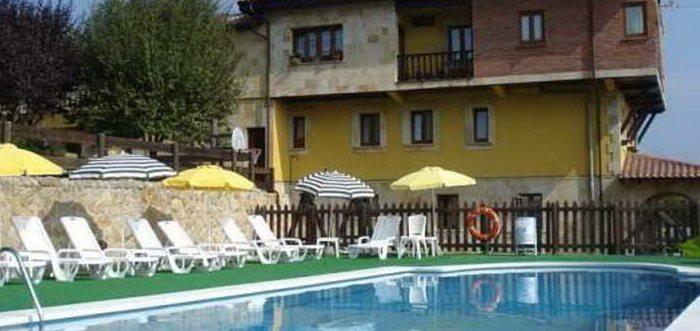 Apartamentos La Gloria, Apartamentos con piscina en Santillana del Mar