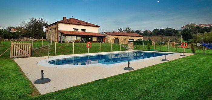 Apartamentos rurales Casona de la Parra, Apartamentos rurales con piscina en San Mames de Meruelo