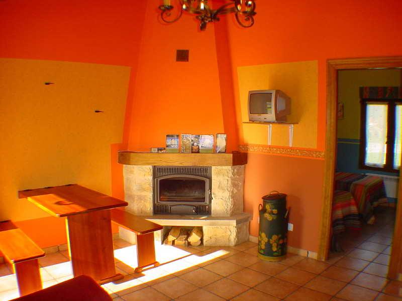 Apartamentos turísticos El Puentuco, Casa rural en los Valles Pasiegos