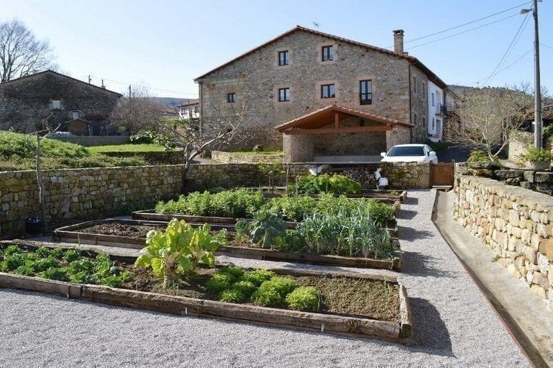 Casa rural Las Azadas Casa rural en Tezanos de Villacarriedo Valles Pasiegos (Cantabria)