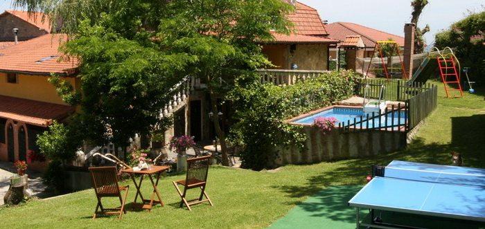 Hospedaje Javier Casa Rural, Casa rural con piscina en Isla Cantabria