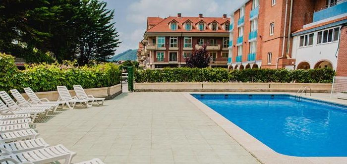 Hotel Las Dunas, Hotel rural con piscina y cerca de la playa del Ris en Noja Cantabria