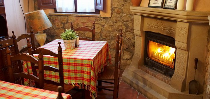 Hotel Perelada, Hotel rural con restaurante en Oreña Cantabria
