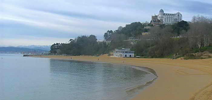 Playa de Bikinis Santander, Playa de los Bikinis Santander (Cantabria)