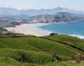 Playa de Meron en San Vicente de la Barquera Cantabria