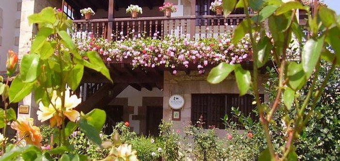 Posada Araceli, Posada rural con jardin en Santillana el Mar Cantabria